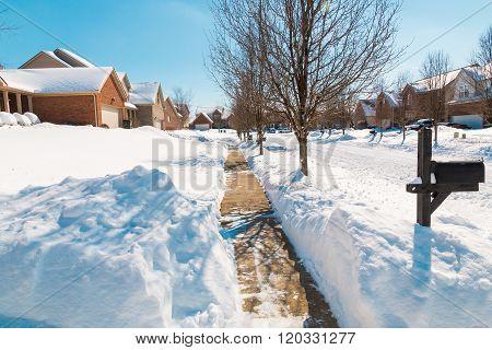Snowy Street , Winter Scenery