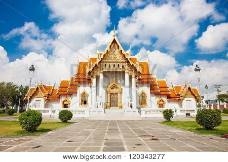 Marble Temple (Wat Benchamabophit) in Bangkok, Thailand. it is one of Bangkok's most beautiful temple and a major tourist attraction ,open to the public to watch and allowed to take photos.