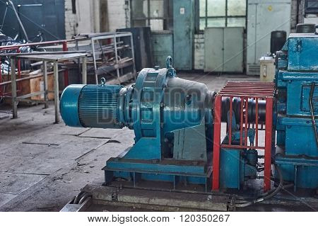 Electric Actuator For Industrial Mill In Workshop