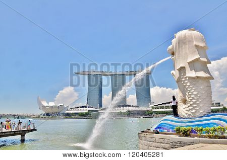 Merlion Statue and Marina Bay Sands