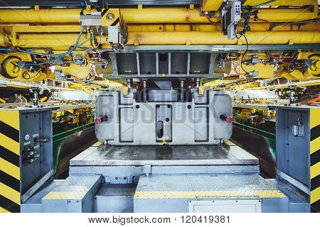 hydraulic press on car manufacture