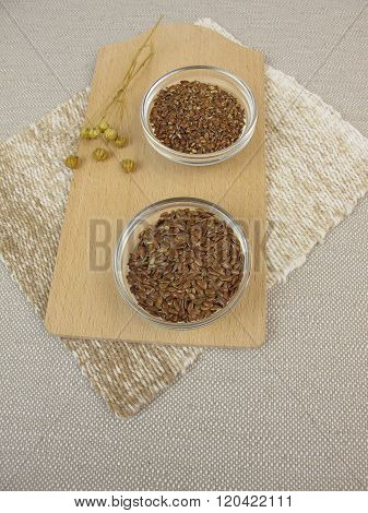 Flaxseeds and ground flaxseeds