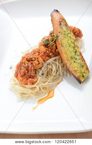 Spaghetti Marinara with garlic bread