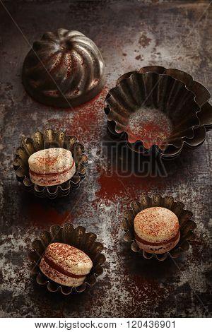 Caramel and chocolate macarons
