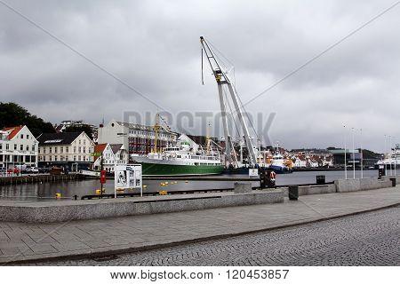 Walk through the city of Stavanger, Norway
