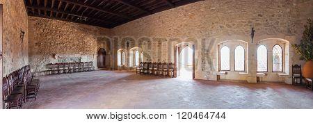 The parlor of the Gothic Palatial Residence (Pacos Novos) of the Leiria Caste. Leiria, Portugal.