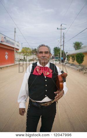 Violín de explotación violinista Mariachi Senior