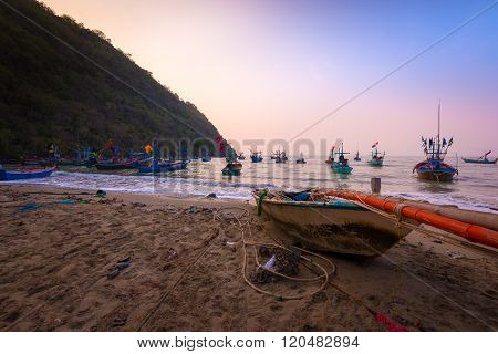 Fisherman village and many fishing boat