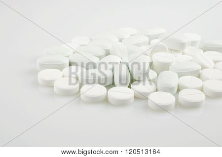 White  Medicine Antibiotic Pills.
