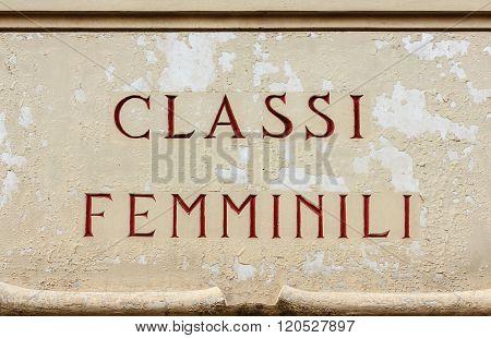 Sign Indicating   The Feminine Classes