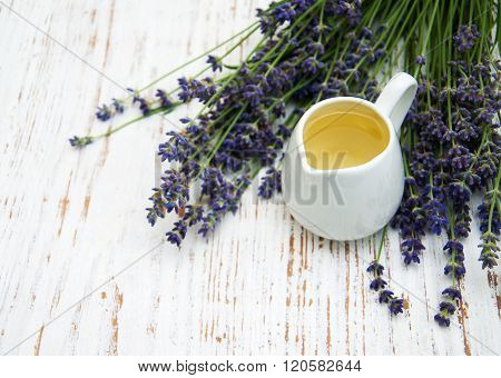 Lavender Oil With Fresh Lavender