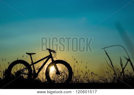 Beautiful Sunset Sky And Mountain Bike Silhouette , Silhouette Fat Bike