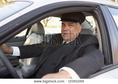 Porträt der Chauffeur im Auto