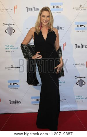 MALIBU - MAR 5: Megyn Bell at the Children International Charity's 'Share The Love Around The World' Fundraiser at Rocky Oaks Malibu on March 5, 2016 in Malibu, California
