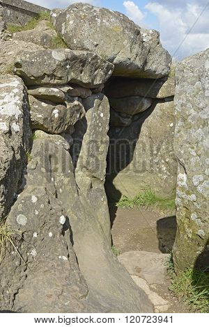 West Kennet Long Barrow, Avebury, Wiltshire, Uk