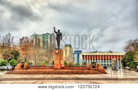 Statue of Heydar Aliyev in Baku