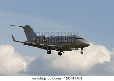 Aircraft Challenger 605