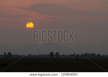 Sundown behind the cloud