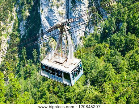 Vogel cable car at Lake Bohinj
