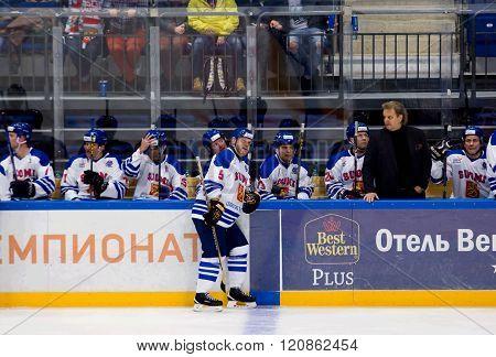 Esa Tikkanen (5) Rest On Timeout