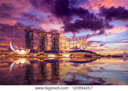 SINGAPORE CITY, SINGAPORE - FEBRUARY 18, 2016: Singapore Skyline And View Of Marina Bay sands. Travel, Singapore on FEBRYARY 18, 2016