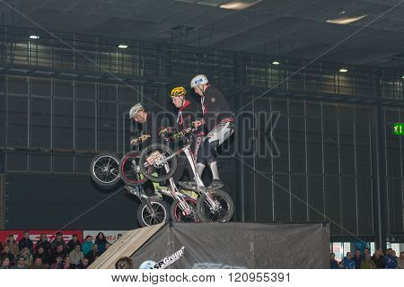 Stunts  riding a bikes during stunt show
