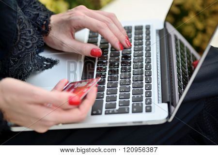 Emarati Arab Business Woman Making Online Payment