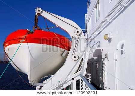 Cruise liner. Lifeboat. Voyage.