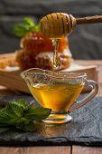 ������, ������: Honey Dripping From A Wooden Honey Dipper