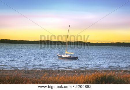 Single White Boat