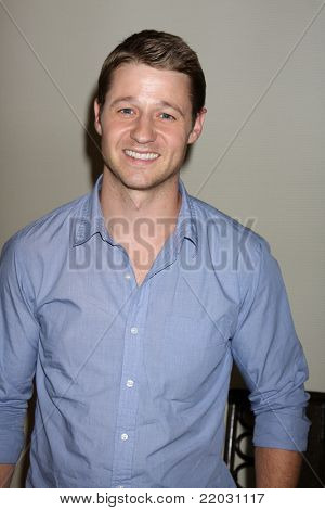 SAN DIEGO - JUL 22:  Benjamin McKenzie at the 2011 Comic-Con Convention - Day 2 at San Diego Convention Center on July 22, 2010 in San DIego, CA.