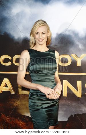 LOS ANGELES - JUL 23: Yvonne Strahovski at the 'Cowboys & Aliens' world premiere at the Civic Theater in San Diego, California on July 23, 2011