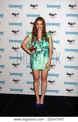 LOS ANGELES - JUL 23:  Holland Roden arriving at the EW Comic-con Party 2011 at EW Comic-con Party 2011 on July 23, 2011 in Los Angeles, CA