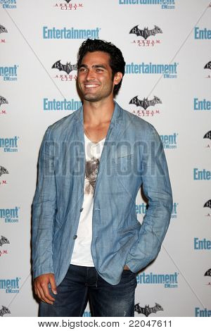 LOS ANGELES - JUL 23:  Tyler Hoechlin arriving at the EW Comic-con Party 2011 at EW Comic-con Party 2011 on July 23, 2011 in Los Angeles, CA