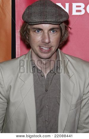 PASADENA - JAN 13: Dax Shepard at the NBC Universal 2011 Winter TCA Press Tour All-Star Party in Pasadena, California on January 13, 2011