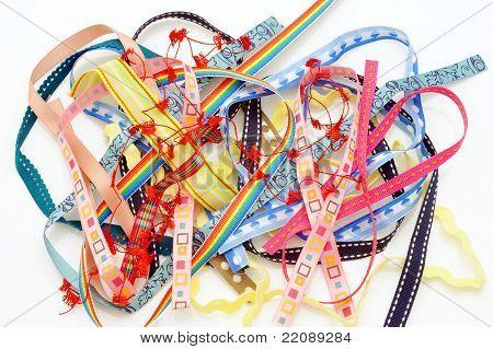 Entangled colorfurl ribbon