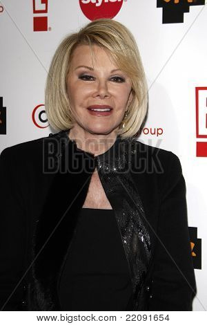 PASADENA - JAN 5: Joan Rivers at the Comcast Entertainment Group TCA Cocktail Reception held at the Langham Hotel, Pasadena, California on January 5, 2011