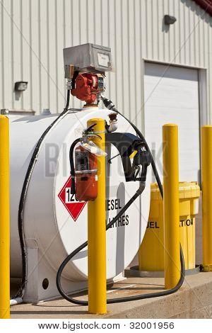 Ambientalmente seguros los tanques de combustible industriales con características de seguridad como extintores y parte posterior
