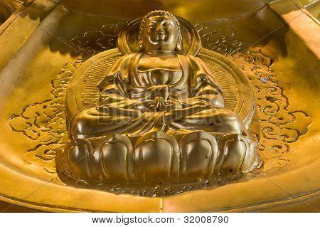 Buda dourado, estilo chinês