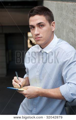 Retrato de um jovem profissional