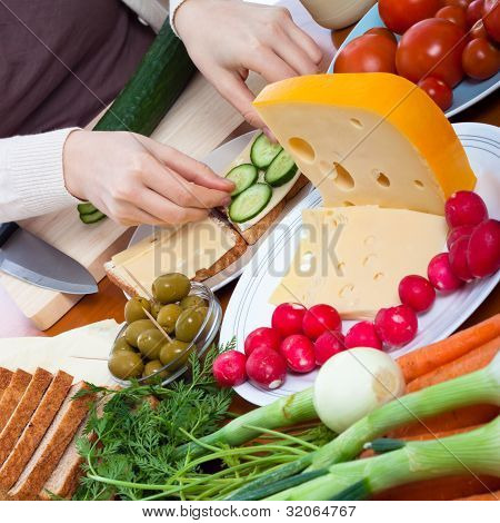Vegetarian Sandwiches Preparation