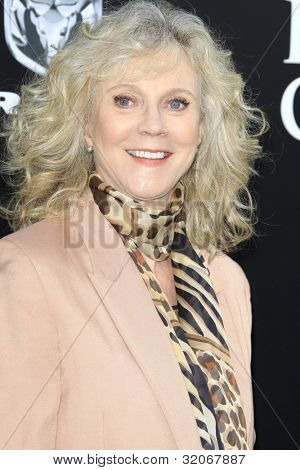 LOS ANGELES - APR 16: Blythe Danner at the premiere of Warner Bros. Pictures' 'The Lucky One' at Grauman's Chinese Theatre on April 16, 2012 in Los Angeles, California