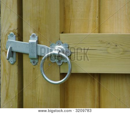 Latch On Gate