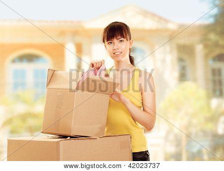 Mulher com o movimento de caixa