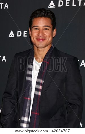 LOS ANGELES - FEB 7:  Mario Lopez arrives at the Celebration of LA's Music Industry reception at the Getty House on February 7, 2013 in Los Angeles, CA