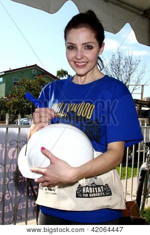 LOS ANGELES - FEB 9:  Jen Lilley at the 4th General Hospital Habitat for Humanity Fan Build Day at the 191 E. Marker Street on February 9, 2013 in Long Beach, CA