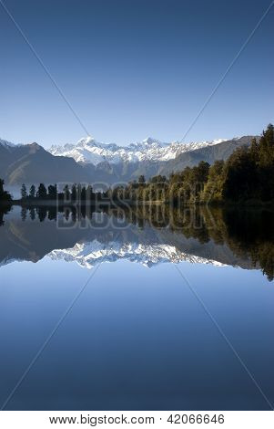 Lake Matheson, Mt Cook, New Zealand