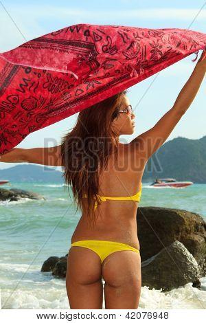 Thai Mädchen am Strand