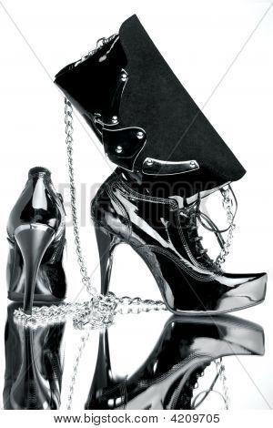 Lust auf Schuh und Silber Tasche