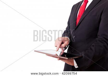 Empresario con tablet PC. Aislado sobre fondo blanco